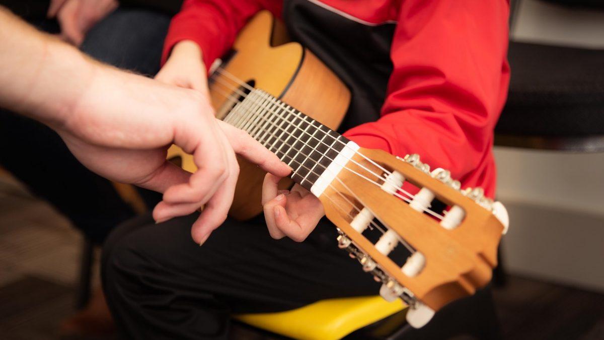 5 Best Guitars for Kids 2021