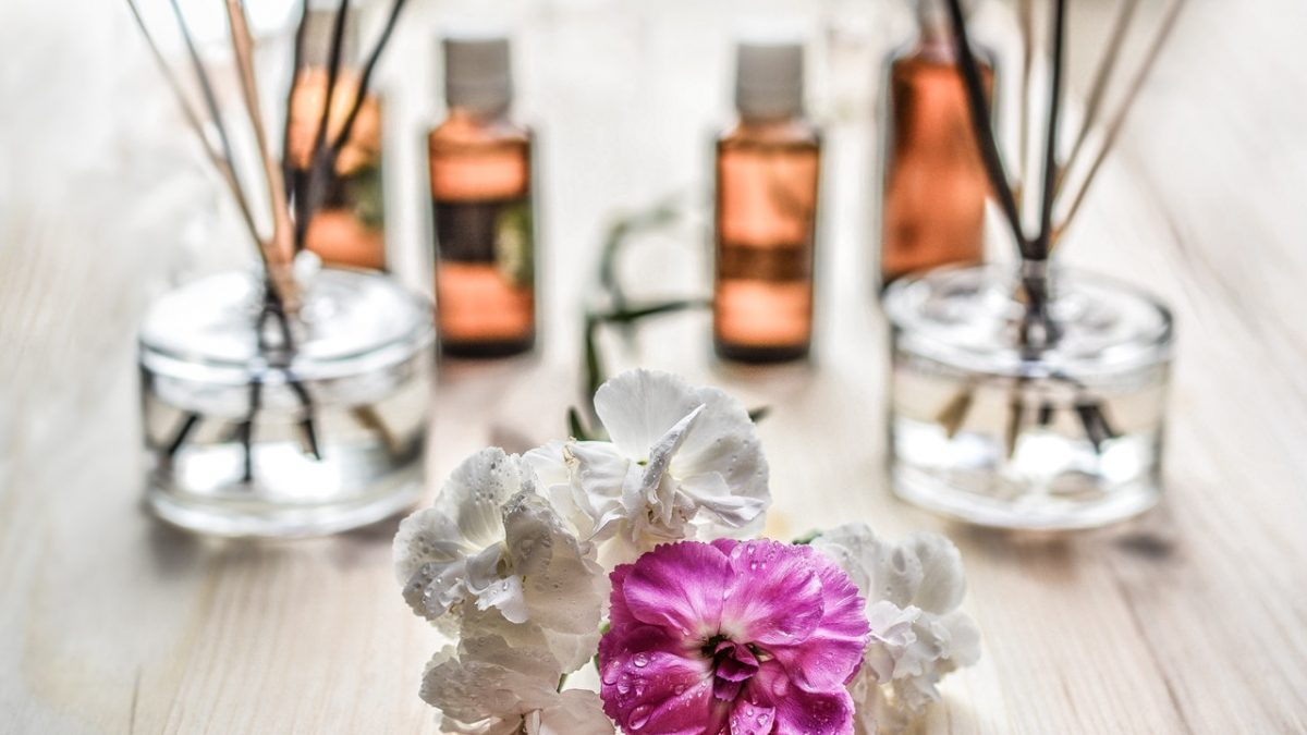 How to Pick the Best Fragrances for a Big Date